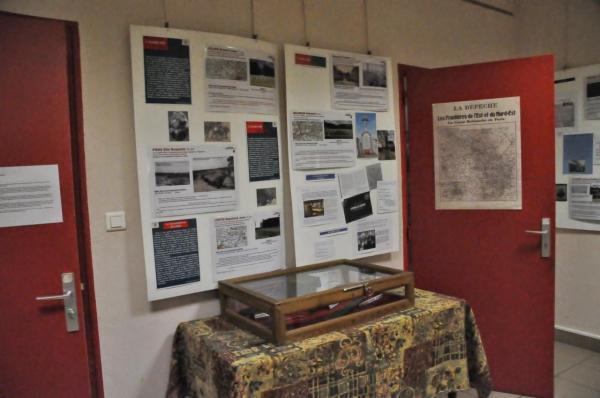 Panneaux et vitrine 2